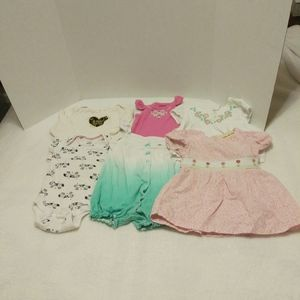 Lot of Infant Baby Girl Items Size 12 mont…